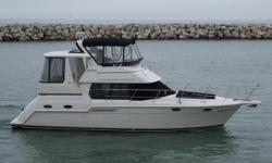 A clean, well taken care of 2000 Carver 356 aft cabin with low engine and generator hours. Available for showing at Northpoint Marina in Winthrop Harbor. Trades Considered. CANVAS AFT DECK ENCLOSURE AFT DECK HARDTOP BRIDGE ENCLOSURE BRIDGE HARDTOP CAMPER