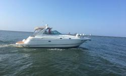 We are proud to introduce Living off Land, she is always a fresh water boat and she is looking for long boat rides and occasional sunset cruise. She is one of the most desirable boats out there with her walk thru windshield and spacious cockpit. Take a