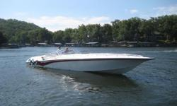 This 42 Lightning is powered with a pair of StaggeredMecury 500 EFI'S with ony 282 hour's. Well equipped, Including Corsa Exhaust, Gaffrig Gauges and Throttles, Haylon, Flush out's. This boat features new long-blocks at 176 hours, (106 hours ago)