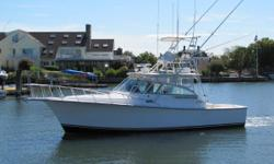 Now is your chance to own a 35 Henriques Express! This 2000 35 has a Marlin Tower, 4 Sided Enclosure, Westerbeke Generator, NEW NAVnet 3d Electronics, Air Conditioning, and much more! Don't Snooze on this one!  Nominal Length: 35' Length Overall: