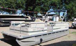 "This 22' Starcraft "" 220 Cruise"" has a 40hp Mercury motor with oil injection, and power tilt & trim. 11 person capacity Beam: 8 ft. 0 in. Stock number: 9885"
