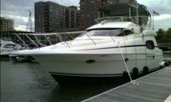 41' Silverton 410 Sport Bridge This professionally maintained yacht boast an apartment size interior that will appeal to those looking for as much living space as possible in a 40 foot boat. Built on a modified V-hull with a solid fiberglass bottom, the