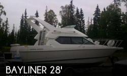 Actual Location: Kenai, AK - Stock #067207 - If you are in the market for a cruiser, look no further than this 2001 Bayliner 2858 Ciera Command Bridge, just reduced to $22,600 (offers encouraged).This boat is located in Kenai, Alaska and is in great