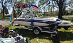 1989 Glastron X18 Fish & Ski Great family ski and or fishing everything works well. Bikini top plus anchor shade. AM-FM Bimini Swimplatform Fresh Water Located in Windsor CA Financing Nationwide Shipping And Warranties Available To Qualified Buyers Stock