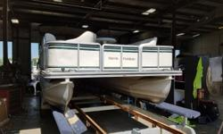 2001 Harris 240 Super Sunliner with 50hp Johnson two stroke. For additional information call us today at 800-875-2620 and select the location nearest you or view Michigan's largest selection of boats direct only at www.wilsonboats.com