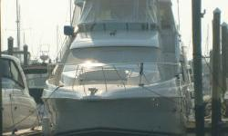 As the Sun Sets on the current owner and his boat, it is time for new memories to be made for a new owner. ONLY 395 hours on this tastefully decorated Yacht. She has the interior space of a much larger boat. NOTE: BOAT IS CURRENTLY in LONG