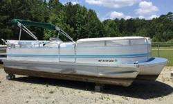 REDUCED PRICE! 2001 Sundancer 24' Tritoon 2001 Sundancer Tri Toon With A Evinrude 90 DI 2 Stroke Carpet And Seats Replaced Recently And Are In Good Condition AM / FM / CD Player Sink WIth Fresh Water Holding Tank In Dash Depth Finder Hydraulic