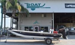 CLASSIC 2001 Xpress Boats 2070 Stock: 8325 2001 Xpress 2070 1997 Mercury 225 EFI 2001 Tandem Axel Aluminum Trailer *********EXCELLENT FINANCING AVAILABLE!********* 2001 Xpress 2070 powered with a Mercury 225 EFI hull is aluminum hull well built strong