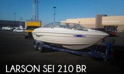 Actual Location: Santa Fe, NM - Stock #086239 - If you are in the market for a bowrider, look no further than this 2002 Larson SEI 210 BR, priced right at $25,000 (offers encouraged).This boat is located in Santa Fe, New Mexico and is in good condition.