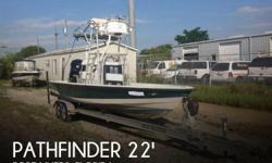 Actual Location: Fort Myers, FL - Stock #092390 - Repowered But Needs Lots More Work!This 2002 Pathfinder 2200 Tournament needs a new owner who really enjoys working on boats and has refurbishing skills! The boat is powered by a 250 horsepower Yamaha Four