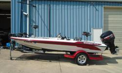 2002 Ranger 185vs, STK# 41 WHITE/RED POWERED BY 1999 MERCURY 150 EFI, LOWRANCE 510C (CONSOLE), LOWRANCE X135 (BOW), MINNKOTA MAX 65, COVER, DUAL PRO 2 BANK CHARGER, HYDRALIC STEERING. Nominal Length: 18' Stock number: 41