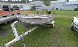 NICE PACKAGE, 14' SMOKERCRAFT, WITH A 5 HP BRIGGS 4 STROKE MOTOR, AND TRAILER. WATER READY. STOP AND TAKE A LOOK. Beam: 4 ft. 10 in. Fuel tank capacity: 6 Hull color: TAN