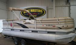 2002 Sun Tracker PARTY BARGE® 22 DLX 2002 SUN TRACKER PARTY BARGE PACKAGED WITH A 2016 MERCURY 115 MOTOR! The entire 24? 2? length is well-equipped with quality features carefully chosen, designed and crafted for comfort, convenience and safety through