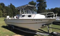 GREAT CONDITION! 2002 Twin Vee 23 Weekender Great fishing area! Tons of room! Great Condition!! Previous owner repowered this boat with new Evinrude Etec 150s 2 years ago and this boat is in great shape! Includes Newly updated Ray marine