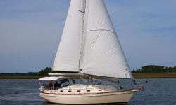 This one owner boat has been kept on a private dock, and has been maintained consistently professionally. The boat has been lightly used, and there are no known deficiencies. This is one of the most popular models built by Island Packet, and this