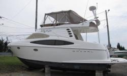 The 3880 Regal is a sleek, low profile sedan bridge with ample accommodations to be your weekend getaway or a full time live aboard. From the dual stateroom layout to the large fully enclosed bridge that can accommodate 6 to 8 adults easily, this boat