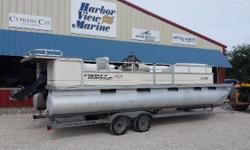 Nice seats, straight pontoons, ready to go. 40HP 4 stroke EFI Mercury out board. Good trailer. Come take her home! Nominal Length: 24' Stock number: 4895 sd