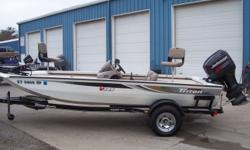 2003 Triton Boats TR186, STK# B2 WHITE, POWERED BY JOHNSON J150GLST, HUMMINGBIRD HELIX 5 Si GPS (CONSOLE), HUMMINGBIRD 175 (BOW), MOTORGUIDE 82 LBS./24V, COVER, 3 BANK DUAL PRO CHARGER, Nominal Length: 18' Stock number: B2