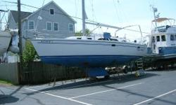 This popular cruising design has had good care and gentle use by the original owner. The interior looks like a 2 year old boat. This original owner family cruiser has seen light use, less than 350 hours and has been given good service. Nominal