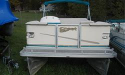 Mercury 25 hp 4 stroke EFI Nice Pontoon in good condition. Comes with power trim, am fm, docking lights, bimini and individual seat covers. Nominal Length: 20' Length Overall: 20' Beam: 8 ft. 6 in.