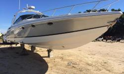 REDUCED FOR QUICK SALE (LOCATED IN DANIA BEACH) Displayed at our outside dry rack showroom Luxurious, loaded and built for performance. Long and narrow, the 400 is built on Formula's Fastech hull bottom with a double stepped deep-V designed to