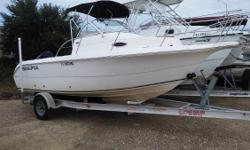 2004 Sea Fox 210 WA on the Gulf Coast.Pensacola/OrangeBeach Weather your a sportsman or a pleasure cruiser, your adventure awaits! This boat is ready for pleasure packed days on the water. Features Include; Aerated Livewell Large Fish Boxes Ample Storage