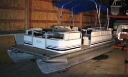 Just in-Looking for a small lake pontoon. Here's an electric powered pontoon. Very nice pontoon at a very nice price! SEE MORE PICTURES OF THIS AND OTHER PRE OWNED AND NEW BOATS ON OUR WEBSITE AT WWW.LIBERTYMARINECENTER.COM Beam: 8 ft. 0 in. Hull color:
