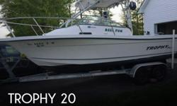 Actual Location: Dagsboro, DE - Stock #110918 - If you are in the market for a walkaround, look no further than this 2005 Trophy 2002WA, priced right at $21,000 (offers encouraged).This boat is located in Dagsboro, Delaware and is in good condition. She