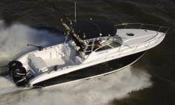 The Fountain 33 Sportfish Cruiser is one of the nicest boats from the famed Fountain fleet. It was the first model built 100% from a digital perspective, utilizing 3D-CAD and 5-axis CNC technology.  From the excellent layout, to the trick