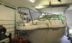1 OWNER, IMMACULATE FRESH WATER BOAT! $20K PRICE REDUCTION! The cleanest pre-owned Tiara on the market priced to sell! This 2006 Tiara 4300 Sovran is in incredible condition. Loaded up with all of the options you'd expect. Fresh water only and barely