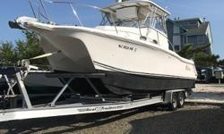 Pro Sports built the ProKat 2860 WA to be an all out saltwater fishing machine but is also at home as a family cruiser. The catamarans double hull shape allows it to cut thru water with a comfortable ride. This 2860 has had light use and great
