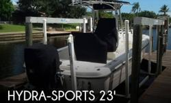 Actual Location: Cape Coral, FL - Stock #088654 - If you are in the market for a bay, look no further than this 2008 Hydra-Sports 23 Bay Bolt, priced right at $61,200 (offers encouraged).This boat is located in Cape Coral, Florida and is in great