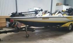 2008 Triton TR-20X2 2008 Triton TR-20X2 model in great condition Equipped with a Single 2014 250hp Mercury Pro XS motor Currently with 390 hours on it Also comes with a Warranty as well! 20 feet in overall length! Few Standard Features include.- - 1197