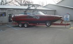 The Super Air Nautique 230 is the official towboat for the Air Nautique Wake Games, the prestigious Masters tournament and the Air Nautique WWA Wakeboard National Championships. The 230 produces a wake with long transitions and a solid lip with plenty of