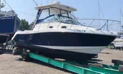 DROP IN PRICE!  GREAT DEAL FOR A GREAT BOAT! 2010 Robalo R305 Walk-Around powered with Twin Yamaha V8 F350s with under 300 hours.  Very nicely equipped boat with all the options.  Twin Garmin 5212 with Radar and Autopilot.  VHF radio,