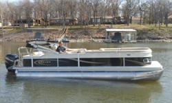 "Stock ID: 98604Specs Length Overall (LOA): 25' 6"" Beam: 102 Pontoon Diameter: 25"" Max HP - Standard/CP2: 150/200 Max HP - CP3 (3 pontoons): 200/300 Capacity - Standard: 2865/16 Capacity - CP3: 3035/16 Weight (approx) without Engine: 2626 Features and"