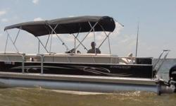 2012 Starcraft Tritoon Boat STR28743H112 2012 Starcraft Tritoon Boat STR28743H112 model Used very little Equipped with a 150hp Mercury Single Outboard motor Currently with ONLY 2.2 hours on it Single owner that has well cared for it since purchased. This