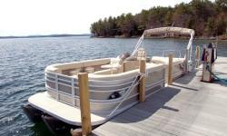 """The Caribbean Series encompasses various traditional layouts as well as innovative stern lounge models equipped with either individual bow seats or bow lounges, in lengths ranging from 21 to 25 feet. All Caribbeans are a full 8'6"""" in beam and feature 26"""""""