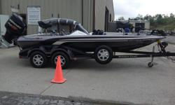 INCLUDES HOT FOOT, MINN KOTA FORTREX 80LB THRUST 24 VOLT TROLLING MOTOR, SPARE TIRE, CUP HOLDERS, LOWRANCE ON THE CONSOLE, AND A LOWRANCE ELITE 5X DSI ON THE BOW!!!!! Nominal Length: 19' Length Overall: 19' Beam: 7 ft. 11 in.