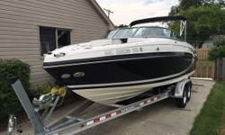 Very nice large bowrider. This boat is nicely equipped and perfect for a large group in any body of water. Trades considered. Engine(s): Fuel Type: Other Engine Type: Other Quantity: 1
