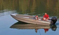 The TRACKER® Guide V-16 Laker is our only all-welded aluminum Deep V utility boat. One of the most heavy-duty boats in its size class, it's constructed of tough .100 5052 marine alloy, just like our top-of-the-line Deep V boats. Onboard, you'll find