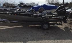 THE GREAT OUTDOORS MARINE - THE FUN STARTS HERE! 2013 TRACKER PRO TEAM 190 TX - COLOR: BLACK 2013 MERCURY 115HP 2-STROKE 2013 SINGLE AXLE TRAILER Cover Spare tire Nominal Length: 19' Engine(s): Fuel Type: Other Engine Type: Outboard