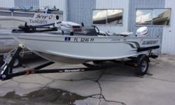 2014 Alumacraft Escape 165, Evinrude E50 engine and shorelander painted trailer. A 55lb motorguide trolling motor, 175 hummingbird depthfinder, rod holders and stainless steel prop. Open and feature-rich, all in a package you can tow behind your small