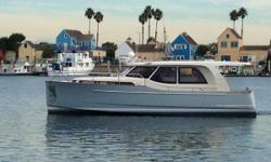 33' Greenline Hybrid 2014 Dealer stock, never title CALL FOR DETAILS! The world's first serialized production hybrid yacht, the Greenline 33 has truly changed the face of yachting and is a classic in the making. Since the launch of their first
