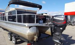 CALL MARINE SALES FOR MORE INFORMATION VERY CLEAN! DOES NOT INCLUDE TRAILER Nominal Length: 22' Stock number: 18448