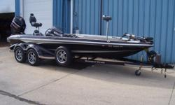 2014 Ranger Z521C, STK# B4 NASCAR TOURING PACKAGE WITH 17' CHROME BULLET WHEELS., POWERED BY MERCURY 250 PRO XS WITH WARRANTY UNTIL 04/19/2019, LOWRANCE HDS12 G3T STRUCTURE SCAN @ CONSOLE FLUSH, LOWRANCE HDS9 G3T @BOW FLUSH, MOTORGUIDE XI5 36V, COVER,