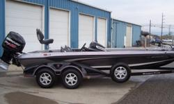2014 Ranger Z521C, STK# B10, BLACK/SILVER, POWERED BY MERCURY 250L PRO XS WITH PLATINUM WARRANTY UNTIL 05/09/2019, LOWRANCE HDS7T SIDE SCAN CONSOLE, LOWRANCE HDS7T BOW, MINNKOTA FORTREX 101/36V, HAMBY, COVER, MANUAL JACK PLATE, MIDDLE SEAT. Nominal
