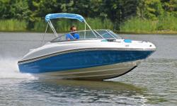 You are viewing a 2014 Rinker 196 Captiva edition bow rider. This boat is in excellent condition and shows to have been very well maintained. Boat has been kept in dry storage.    53 MPH ! ! !   Hull: overall appears to be in