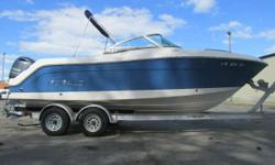 MINT 2014 Robalo R227 Dual Console w/ Yamaha 200 HP 4-Stoke (ONLY 35 HOURS!), Load Rite Aluminum Tandem Trailer Included, LOADED MINT 2014 Robalo R227 Dual Console w/ Yamaha 200 HP 4-Stoke (ONLY 35 HOURS!), Load Rite Aluminum Tandem Trailer Included -