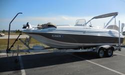 This pre-owned 2015 Hurricane SS 211 OB comes with a 2014 Yamaha F200XB outboard motor with very low hours. Financing and delivery available upon approval. Please contact our used boats sales team at 877-412-3408 for more information on this and other